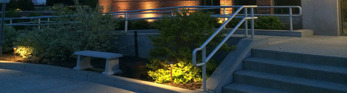 commerical-midwest-lightscapes-home-patio-landscape-lighting-home-outdoor-lighting-service