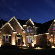 holiday-lighting-midwest-lightscapes-landscape-lighting-home-outdoor-lighting-services-entryway