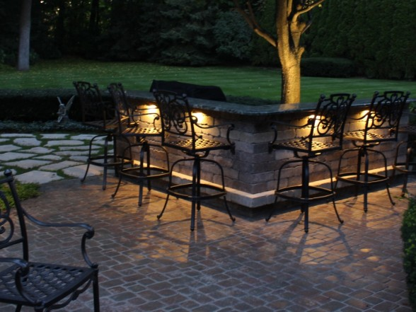 midwest-lightscapes-landscape-lighting-home-outdoor-lighting-services