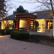 tree-uplighting-midwest-lightscapes-landscape-lighting-home-outdoor-lighting-services-entryway