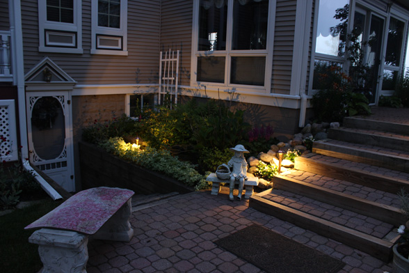 backyard-patio--midwest-lightscapes-landscape-lighting-home-outdoor-lighting-services