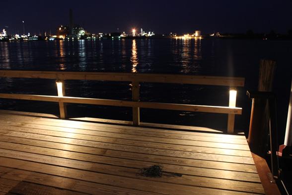 dock-lighting-midwest-lightscapes-landscape-lighting-home-outdoor-lighting-services