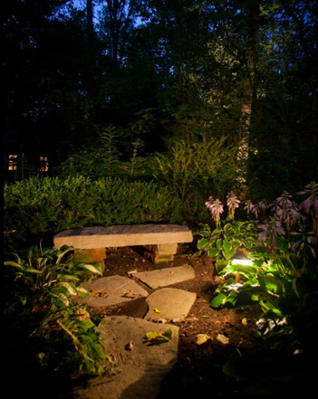 midwest-lightscapes-pools-backyards-outdoor-lighting-bench-flagstone-patio