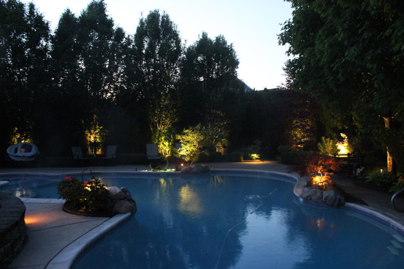 midwest-lightscapes-pools-backyards-outdoor-lighting-inground-pool