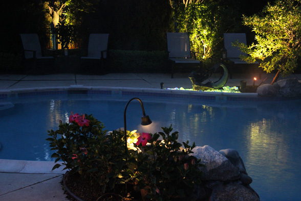 midwest-lightscapes-pools-backyards-outdoor-lighting-shepards-hook-lighting