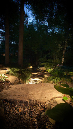midwest-lightscapes-pools-backyards-outdoor-lighting-stone-natural-boulders