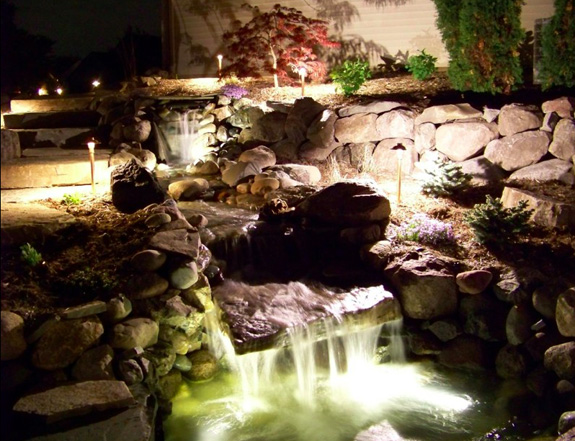 midwest-lightscapes-pools-backyards-outdoor-lighting-water-features