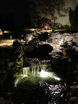 midwest-lightscapes-pools-backyards-outdoor-lighting-waterfalls-ponds