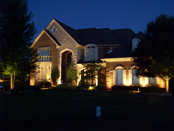 House landscape lights midwest lightscapes outdoor landscape house landscape lights workwithnaturefo