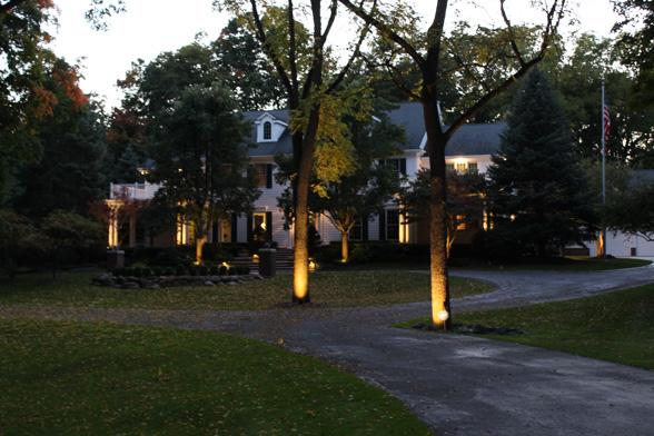 outdoor-lighting-midwest-lightscapes-landscape-lighting-home-outdoor-lighting-services-accents
