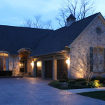 outdoor-lighting-midwest-lightscapes-landscape-lighting-home-outdoor-lighting-services-driveway