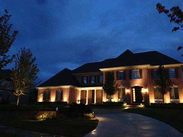 Outdoor home lighting midwest lightscapes outdoor landscape outdoor home lighting workwithnaturefo