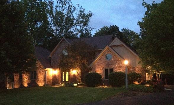 outdoor-lighting-midwest-lightscapes-landscape-lighting-home-outdoor-lighting-services-landscaping