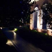 outdoor-lighting-midwest-lightscapes-landscape-lighting-home-outdoor-lighting-services-walk-pathway